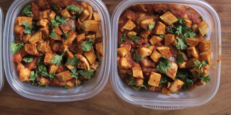 Moroccan Chickpeas And Sweet Potatoes (Vegan)