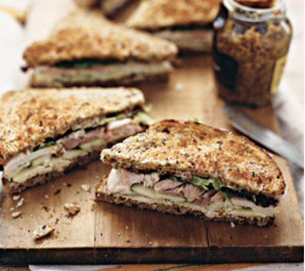 turkey cheddar apple sandwich, no re-heat meal