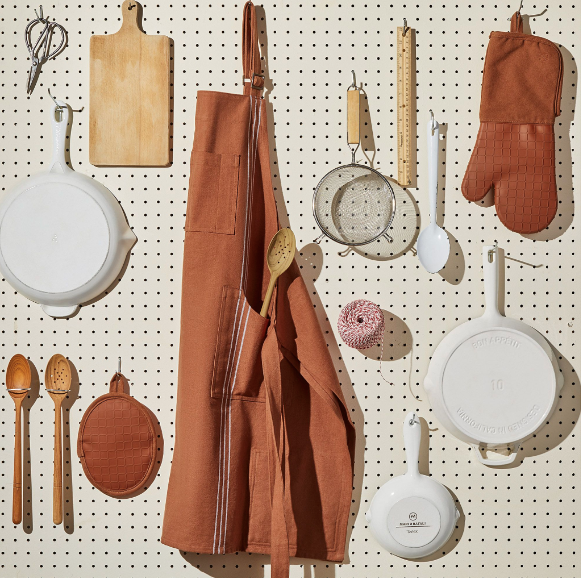 gifts for people who like to cook - aprons