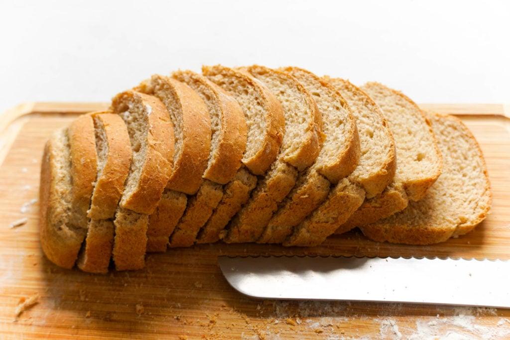 Homemade sandwich bread recipe for meal prep